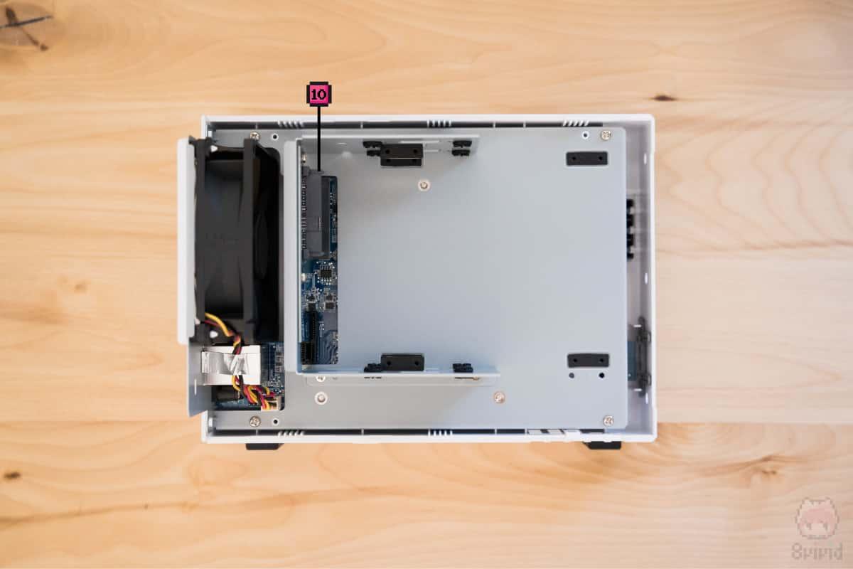 DiskStation DS218j内部。